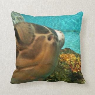 Funny Sea Turtle Selfie Throw Pillow