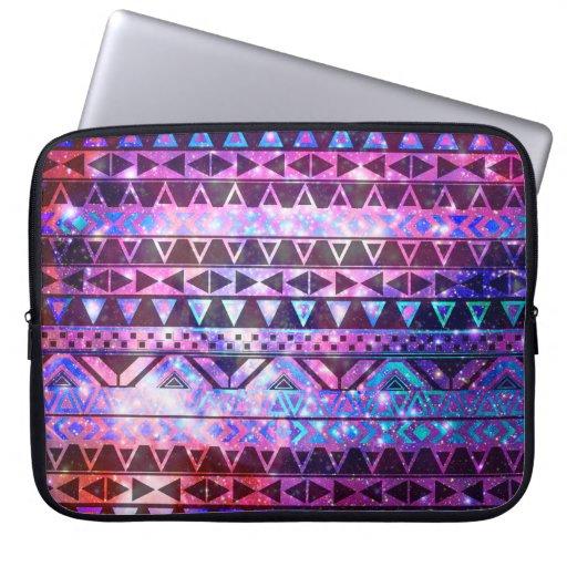 Galaxie turquoise de nébuleuse des Andes de rose a Housse Ordinateur Portable