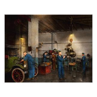 Garage - Mechanic - The overhaul 1919 Flyer