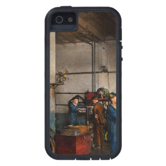 Garage - Mechanic - The overhaul 1919 iPhone 5 Case