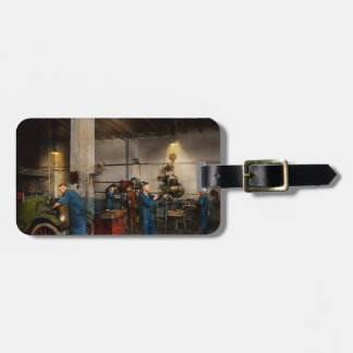Garage - Mechanic - The overhaul 1919 Luggage Tag