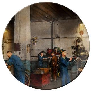 Garage - Mechanic - The overhaul 1919 Plate