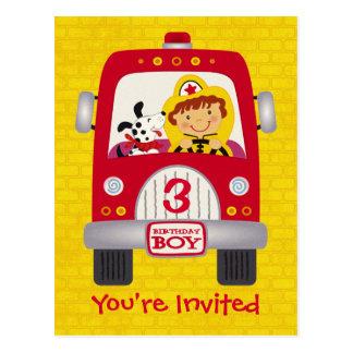 Garçon d'anniversaire de camion de pompiers cartes postales