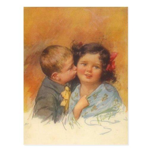 Garçon mignon vintage volant un baiser sur la joue carte postale