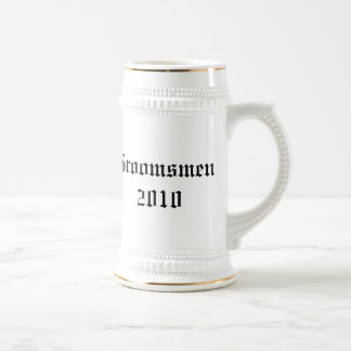 Garçons d'honneur personnalisés épousant le stein chope à bière