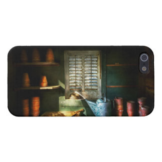 Gardener - The potters shed iPhone 5/5S Cover