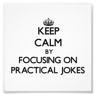 Gardez le calme en se concentrant sur des blagues photos