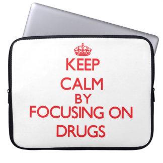 Gardez le calme en se concentrant sur des drogues housses ordinateur