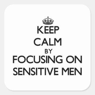 Gardez le calme en se concentrant sur les hommes sticker carré