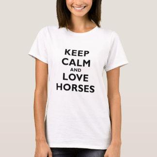 Gardez le calme et aimez les chevaux t-shirt