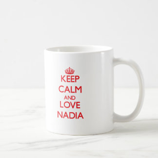 Gardez le calme et aimez Nadia Mug Blanc