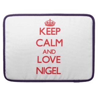Gardez le calme et aimez Nigel Poches Pour Macbook Pro