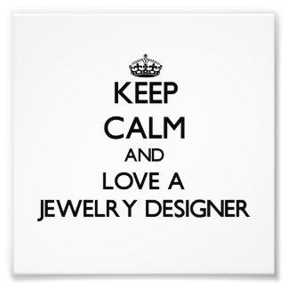Gardez le calme et aimez un concepteur de bijoux art photographique
