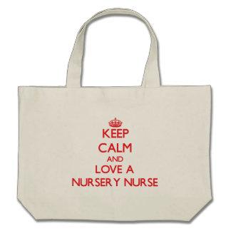Gardez le calme et aimez une infirmière de crèche sacs en toile