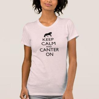Gardez le calme et avancez à petit galop dessus t-shirts