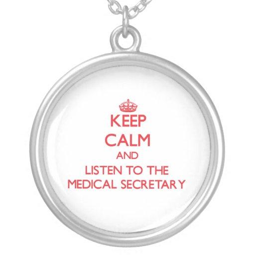 Gardez le calme et écoutez le secrétaire médical bijouterie