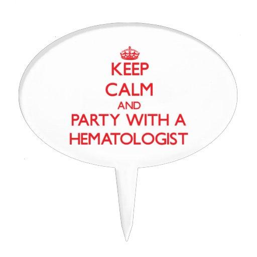 Gardez le calme et la partie avec un hématologue étiquette à gâteau
