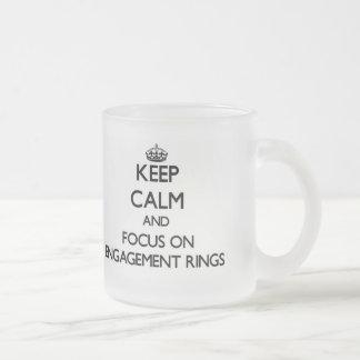 Gardez le calme et le foyer sur des BAGUES DE FIAN Mug À Café