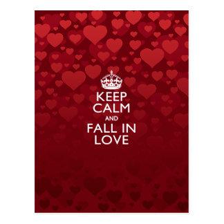 Gardez le calme et tombez dans dire d'amour carte postale