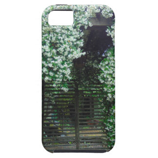 Gate Covered in Jasmine Case For The iPhone 5