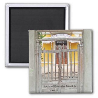 Gate to an Old House - Magdalena del Mar Magnet