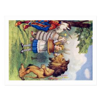 Gâteau d'offres d'Alice au lion et à la licorne Cartes Postales