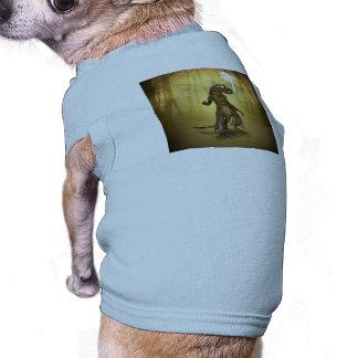 Gecko drôle avec les lunettes de soleil et le tee-shirts pour chien