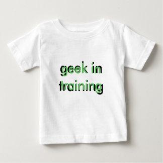 geek dans le T-shirt trianing d'enfant en bas âge