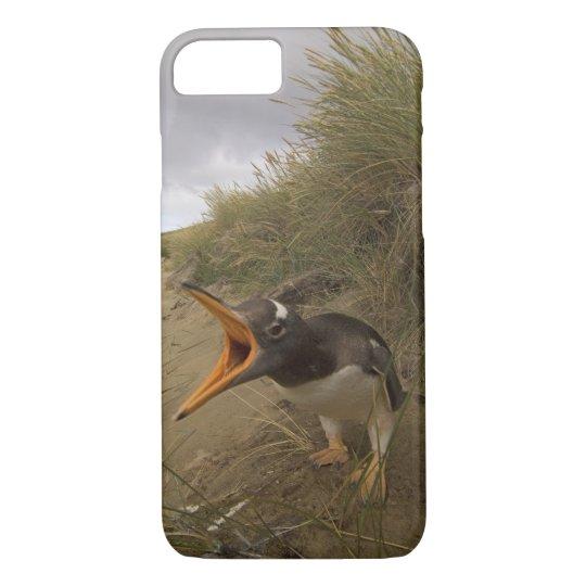 gentoo penguin, Pygoscelis papua, on Beaver iPhone 8/7 Case