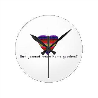 German -Mommy Round Clock
