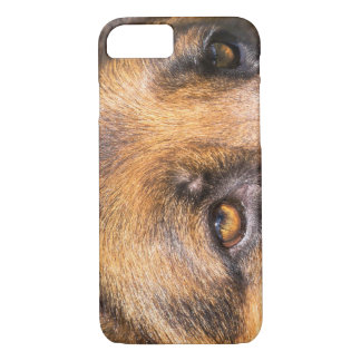 German Shepherd dog, close up on eyes iPhone 8/7 Case