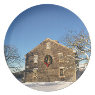 Gifts: New England Farm House at Christmas Plate