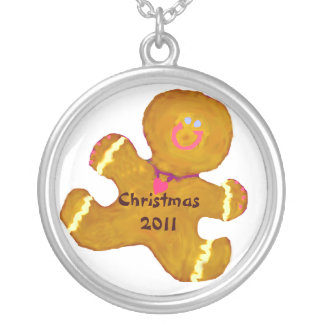 Gingerbreadman Christmas date Round Pendant Necklace