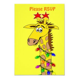 Girafe drôle avec Noël lunatique de lumières Invitation Personnalisée
