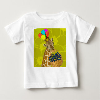 Giraffe brings congratulations. baby T-Shirt