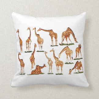 """GIRAFFE""    POLYESTER THROW PILLOW"
