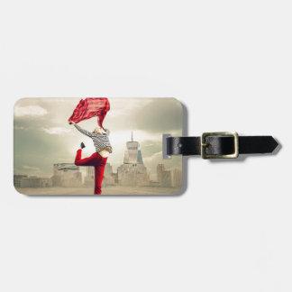girl-2940655_1920 luggage tag