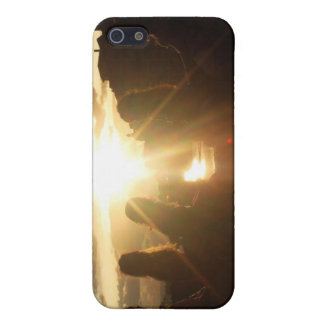 Girlfriends Watching the Sunset Cover For iPhone 5/5S