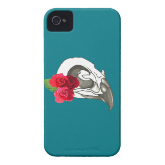 GIRLY ROMANTIC RED ROSES WITH BIRD SKULL iPhone 4 Case-Mate CASES