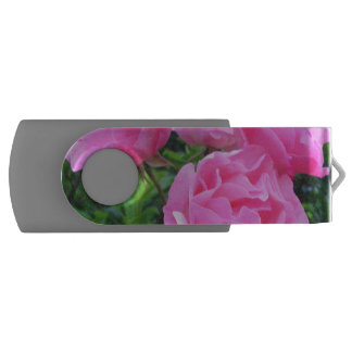 glorious pink roses USB flash drive