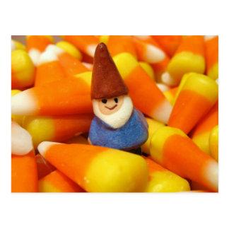 Gnome de bonbons au maïs carte postale