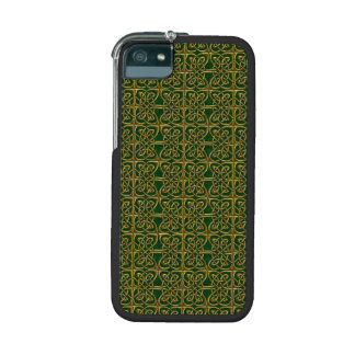 Gold And Green Connected Ovals Celtic Pattern Case For iPhone 5