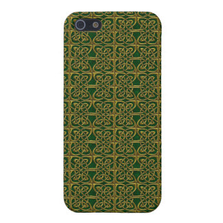 Gold And Green Connected Ovals Celtic Pattern iPhone 5/5S Covers