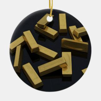 Gold bars in bulk on a black background round ceramic ornament