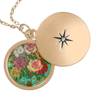 Gold plated necklace with vintage roses motive