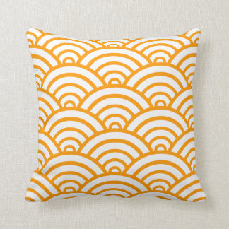 Gold Scallop Pattern Throw Pillow