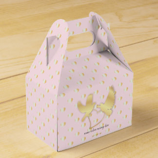 Golden Doves with a Golden Heart, Gentle Love Favor Box