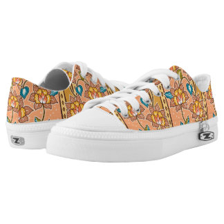 Golden Hand drawn decorative floral batik pattern Low-Top Sneakers
