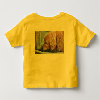 golden retriever drinking from outdoor fountain toddler t-shirt
