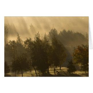 Golfeur en brumes d'automne carte de vœux